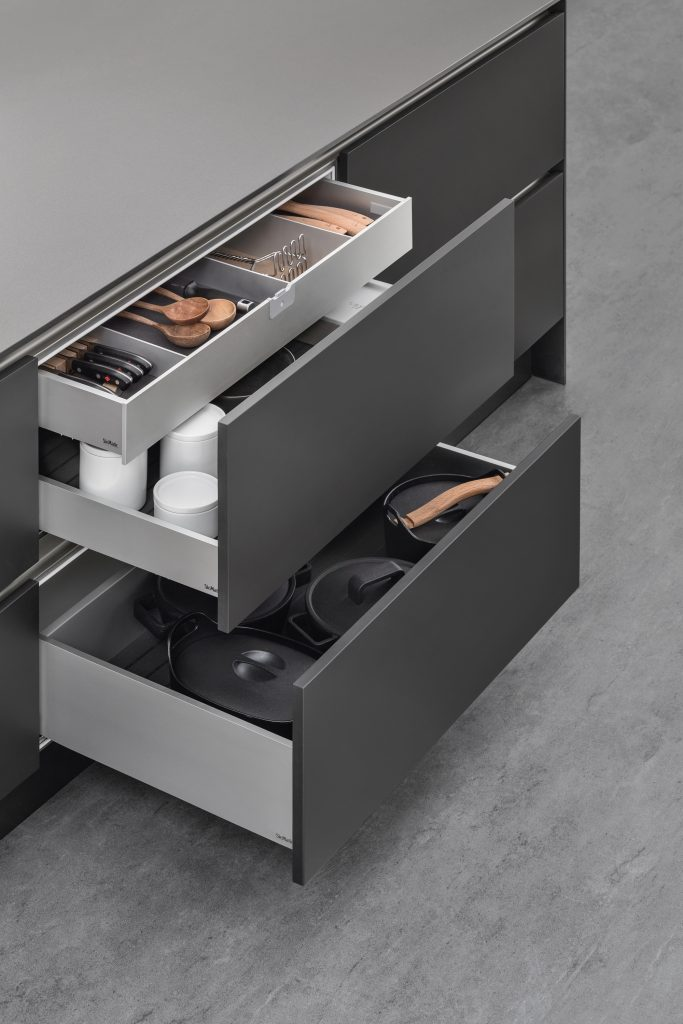 SieMatic- Concealed drawer guides