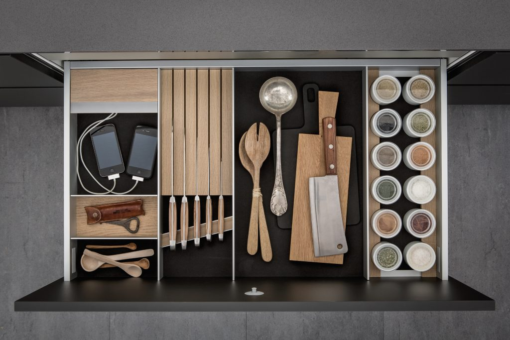 SieMatic- interior storage solutions with charge station for smartphones and tablets (x)
